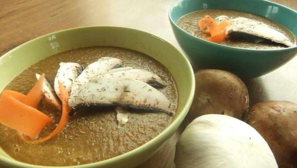 Soupe Crue de Champignons et Carottes