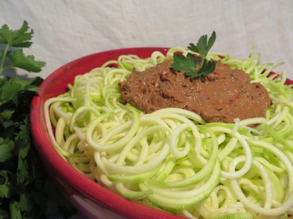 Spaghettis crus Sauce Champignons